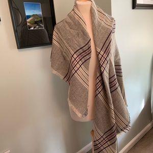 Blanket scarf. Never worn!